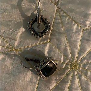 Black on sterling silver / pierced clip